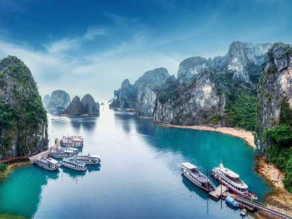 Halong bay full-day tour from Hanoi