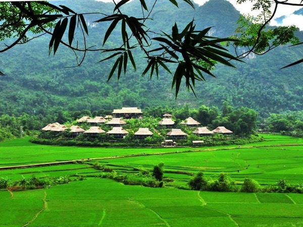 Mai Chau Ethnic Minority Full Day Tour from Hanoi