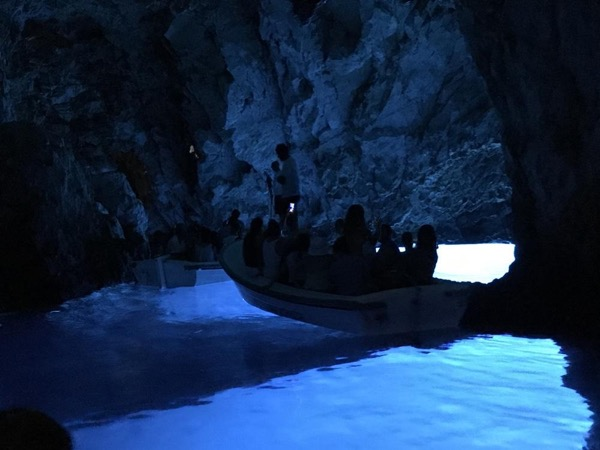 Private Vis Culinary and Blue Cave Tour Including Skip-the-Line Tickets