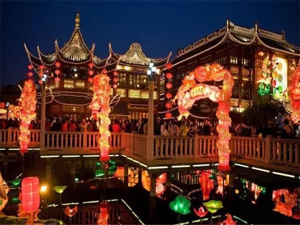 Evening River Cruise with Yu Garden Bazaar Night View with Dinner