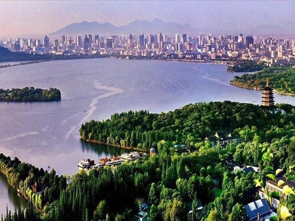 One-day Private Hangzhou City Tour with Bullet Train and private vehicle in Hangzhou