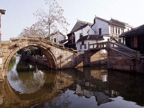 Private One Day Zhouzhuang Tour from Shanghai by Public Transportation