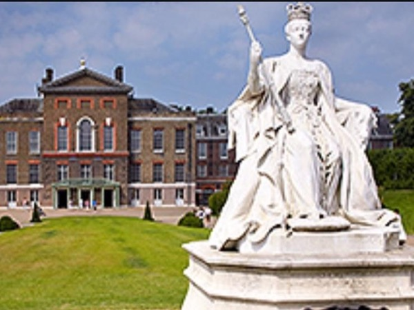 In the footsteps of Royalty - A private tour in London