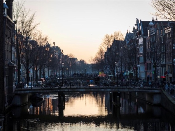Amsterdam Highlights Tour by Bike