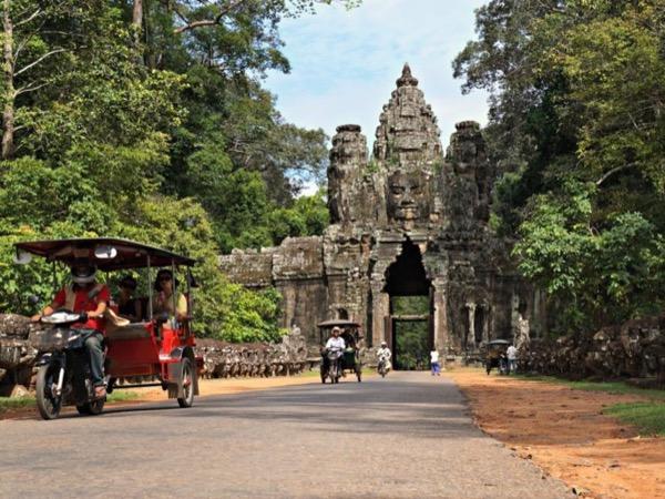 Private tour guide Lao
