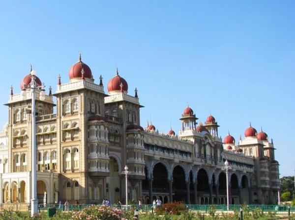 Bangalore to Mesmerising Mysore - Private Day Tour