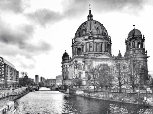 A Great Day in Berlin with a private guide, Full Day all sights and beyond.