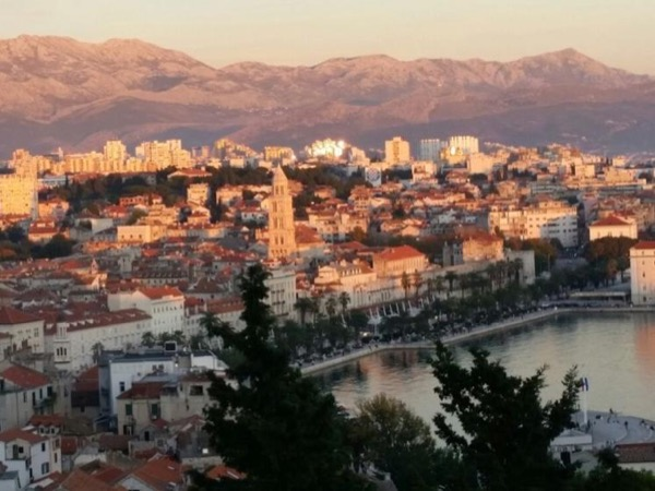 Stroll with me - Private walking tour Split