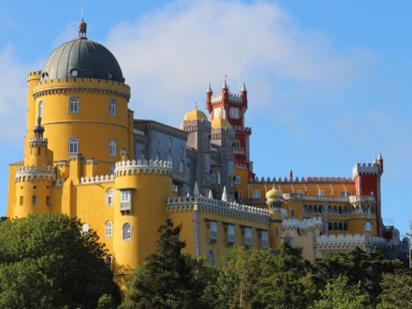 8 hour tour of Sintra and Cascais