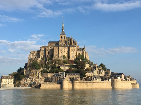 Mont Saint Michel - full day to from Bayeux from 9 to 16 people