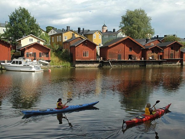 Helsinki Highlights and Medieval Old Town of Porvoo/Shore excursion