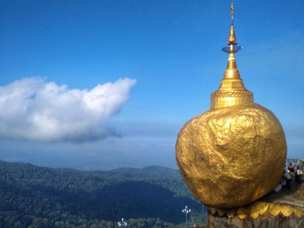 Golden Rock Private Tour from Yangon