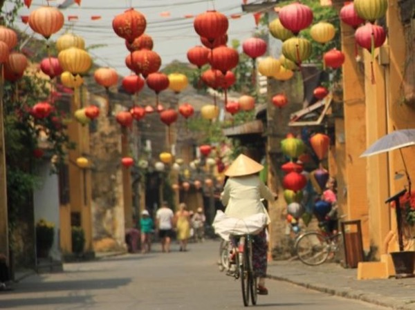 Hue - Da Nang - Hoian - 3 days Private Tour