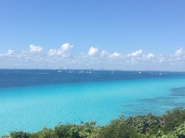 Full-day Tour Isla Mujeres by Catamaran