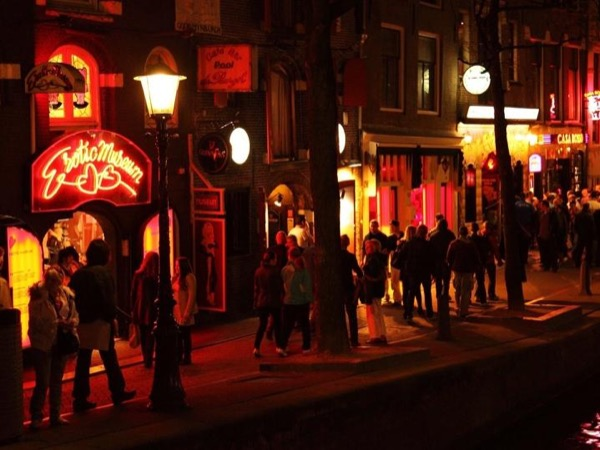 In-depth Red Light District Private Walking Tour