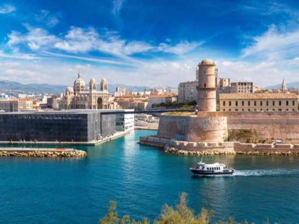 Marseille Old Port and Le Panier Highlights