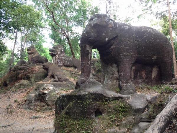 Siem Reap - Phnom Kulen & Srah Damrei Private Tour