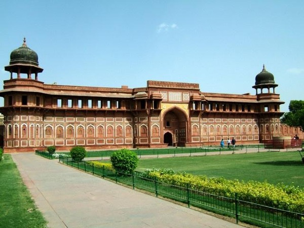Delhi-Agra-Delhi - Privately Guided Overnight Trip To Agra.