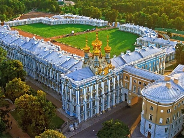 Amber room, Catherines palace and Peterhof fountains