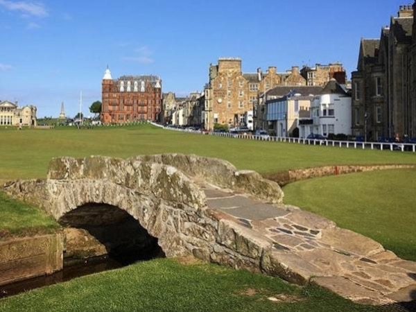 Edinburgh City Centre and St Andrews Private Personal Driving Day Tour