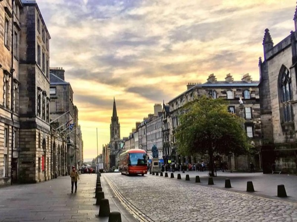 Edinburgh City Centre Private and Personal Full Day Driving Tour
