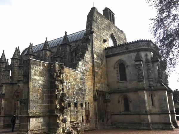 Edinburgh City Centre Private personal Tour including entry to Edinburgh Castle & Rosslyn Chapel