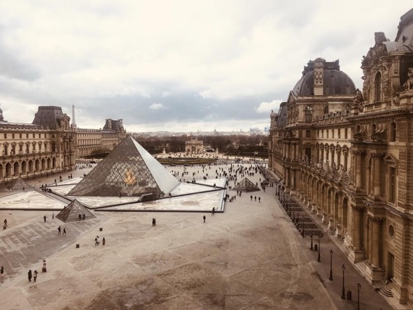 Family Experience at the Louvre - Paris Private Tour