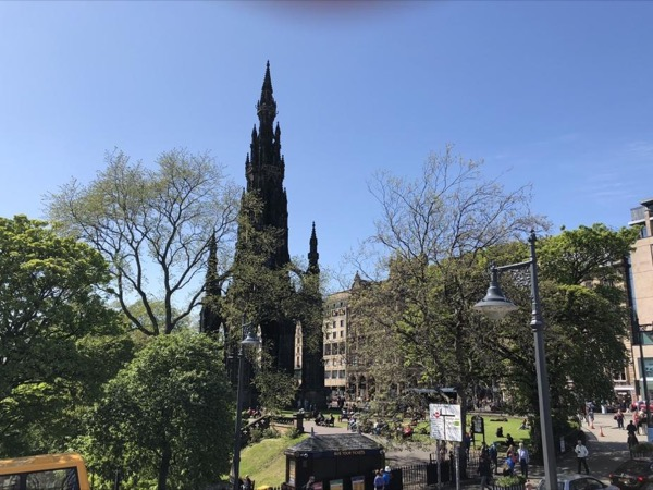 A Walk Into History Edinburgh's Delights