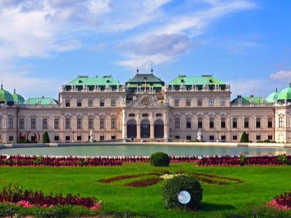Vienna Private Highlights By Car Tour