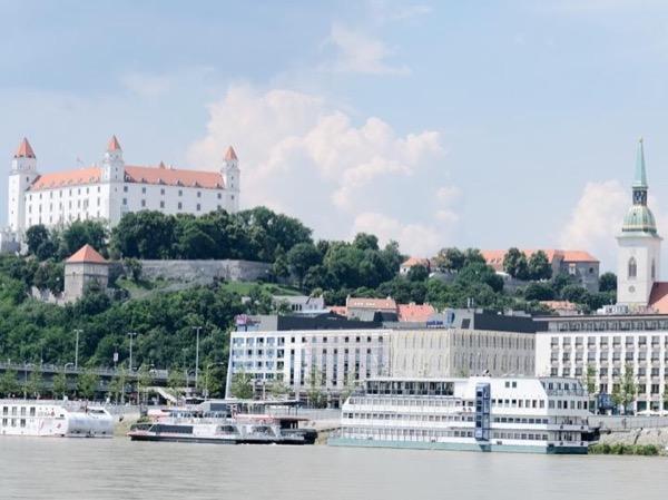Castles of Bratislava private guided tour