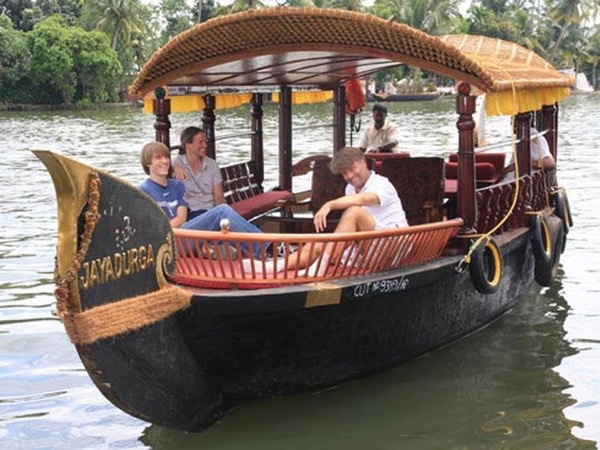 One Day Cochin Monuments and Alleppey Backwater Private Tour