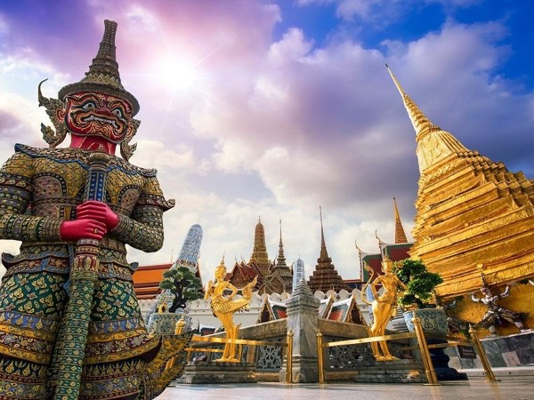 Private Guided Half Day Tour: Bangkok with Public Transport