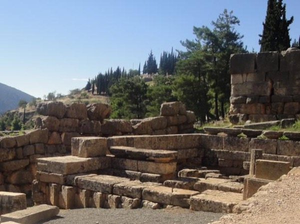 2 Days Delphi - Meteora Tour