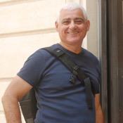 Private tour guide Adi