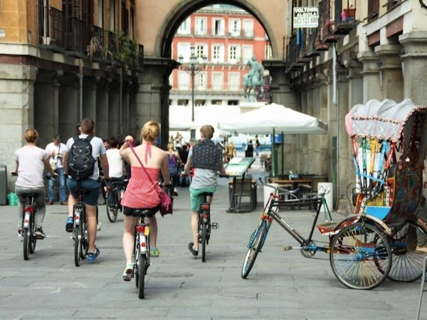 Private Highlight Bike Tour in Madrid