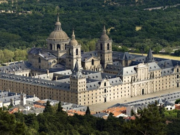 Private Tour to El Escorial by Private Car