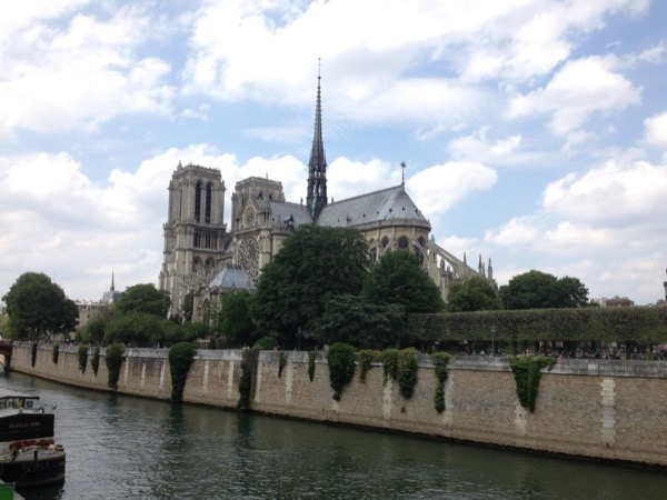 Paris Tailor-made half day tour by public transportation and walking