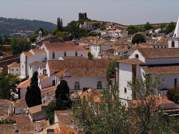 Full day tour to Óbidos, Alcobaça and Nazaré