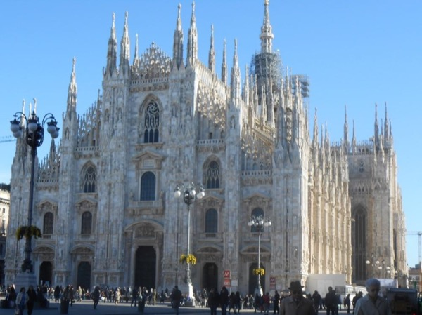 Duomo tour and canals district
