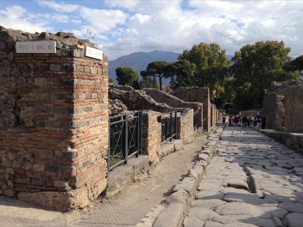 Pompeii-Vesuvius Day Trip