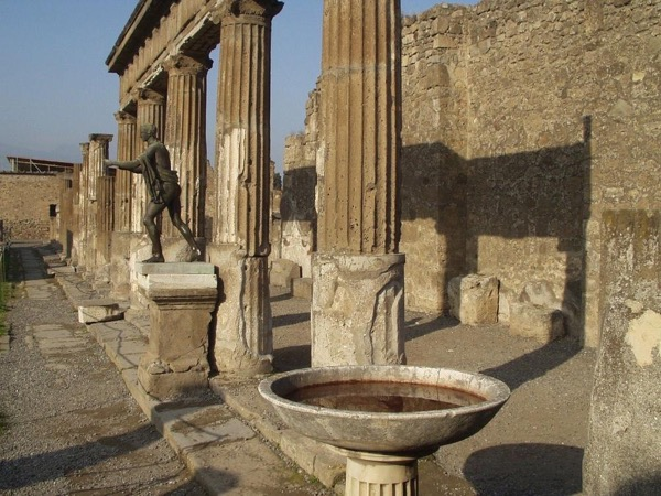 Pompeii and Herculaneum full day tour