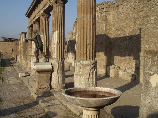 Pompeii and Oplontis full day tour