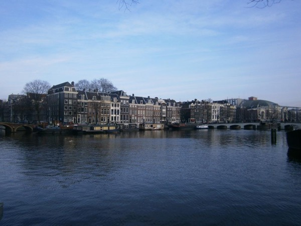 2-hours-highlights-of-Amsterdam-by-minivan-tour