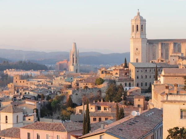 A Day Trip from Barcelona - High-speed Train Trip to Girona and Dali Museum - Private tour (9 hours)