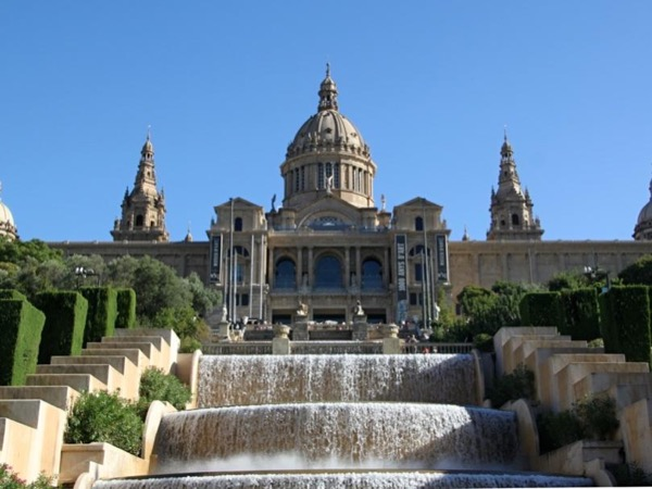 Full day Barcelona City Tour with Sagrada Familia tickets included! (7 hours)