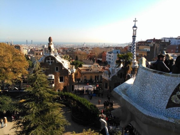4 Hour Gaudí Highlights Private Tour by Car (up to 2 people)