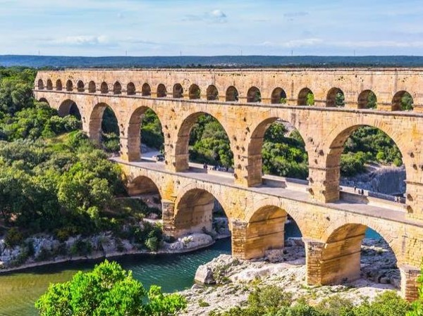 Arles & the Pont du Gard - Private Tour