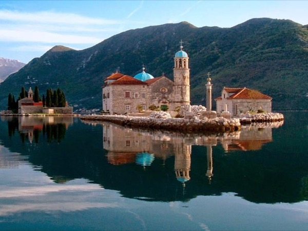 Boka Bay highlights: Kotor - Perast - Lady of the Rock (up to 3 travelers)