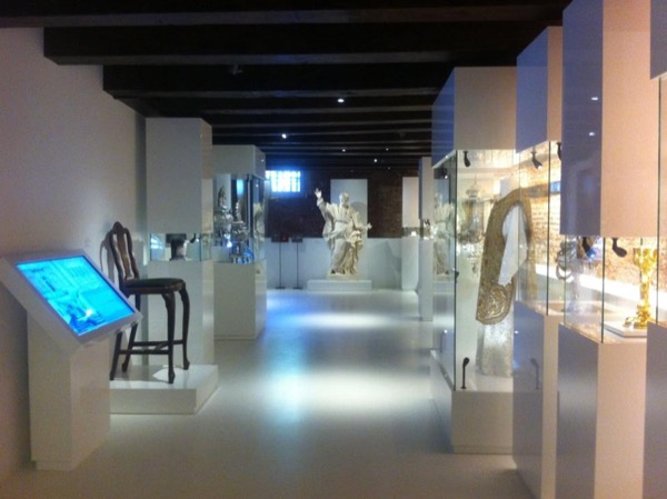 Personal Museum Chaperone & Planner Amsterdam