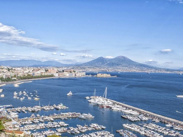 Tour of Naples with Pizza Margherita tasting